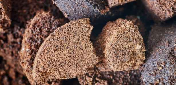 Making dirt with coffee grounds