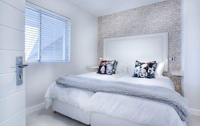 guest room - comfy bed