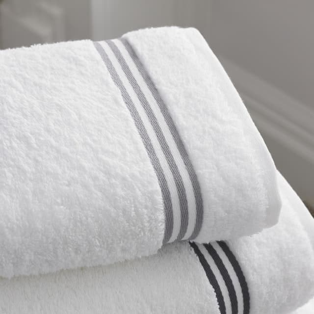 Ways to add luxury to your bathroom-towels