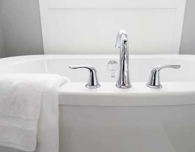 Ways to Add Luxury to your bathroom-new fixtures