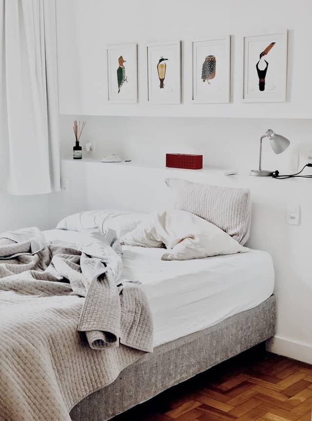 bedroom cleaning hacks