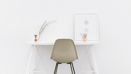 funstional table for a minimalist home