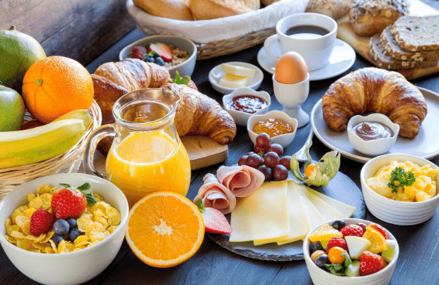 organic breakfast with local in season ingredients