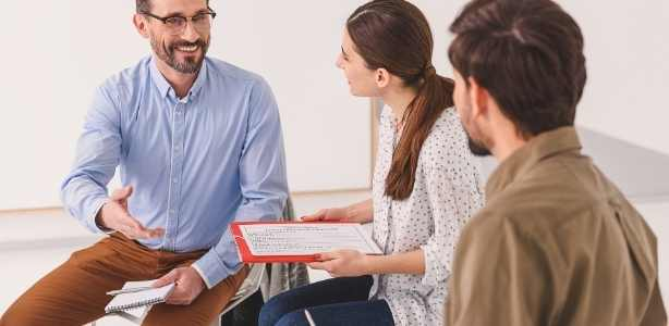 Meeting with realtor discussing references