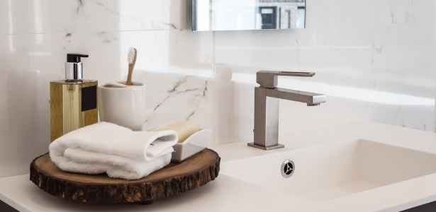 fresh cleaned bathroom will make your home more attractive to buyers