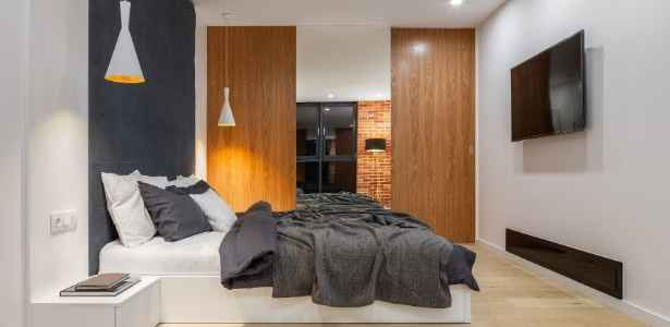 bedroom with tech