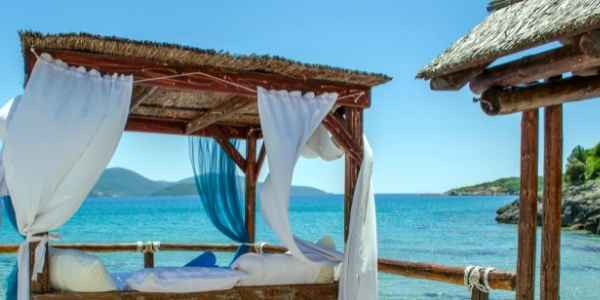 Living a luxurious life on the beach