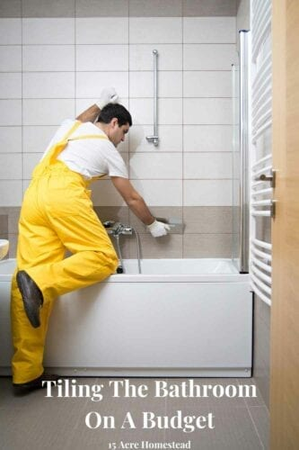 The bathroom is a space that needs periodic renovations due to its unique functionalities. If we neglect it, we can end up with broken pipes, electrical problems, or humidity, forcing us to start a much more complex and expensive work. One method to do this is by tiling the bathroom.