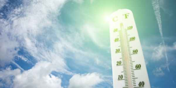 Thermometer showing high heat in summer