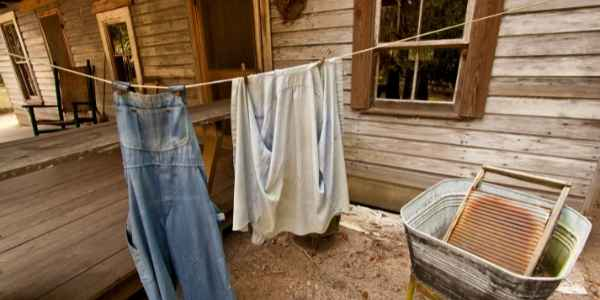 clothesline for laundry on a self sufficient homestead